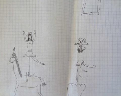 Dessin d'enfant représentant une jongleuse sur un podium et une cavalière debout sur un cheval